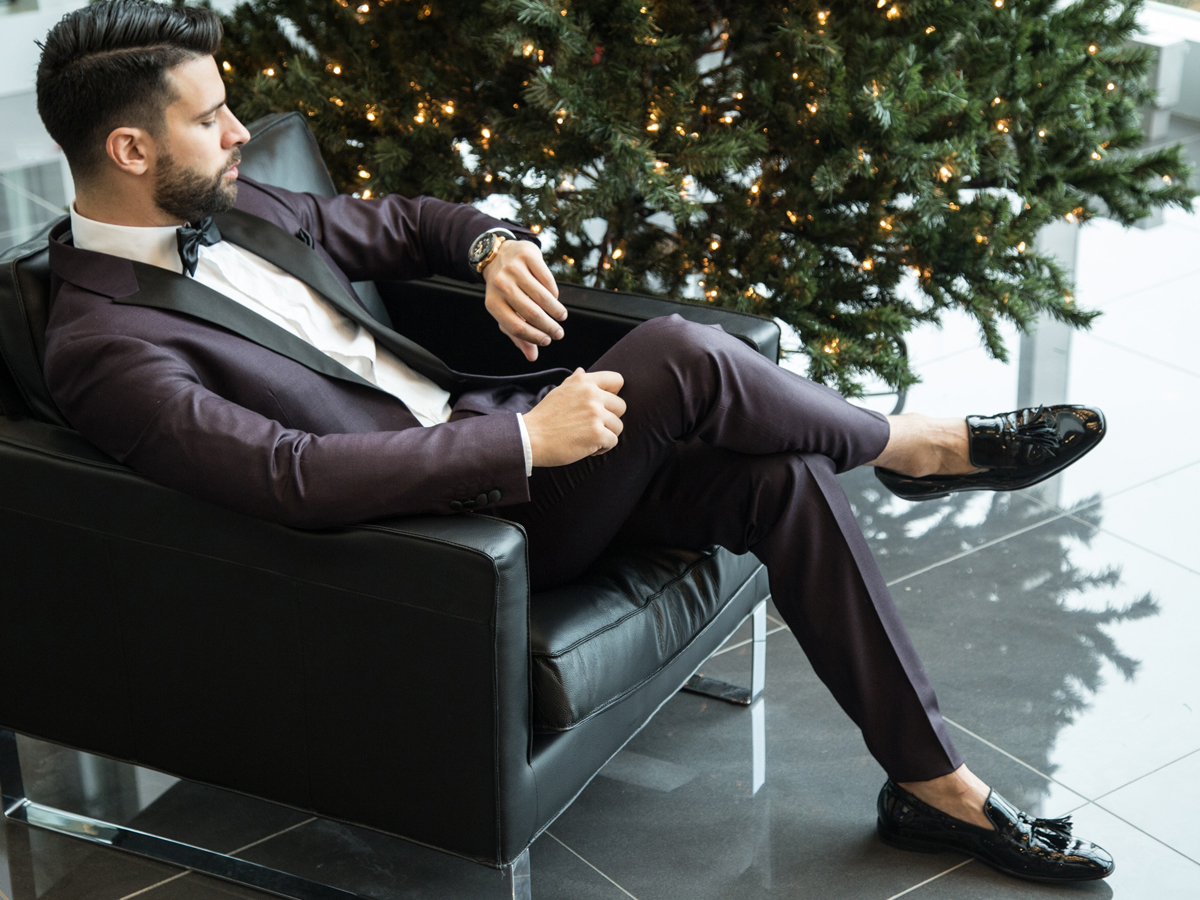 Full set clothes for men is on sale